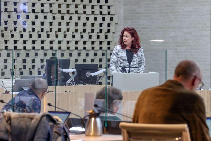 Eindhoven - Renate Richters, wethouder zorg in Eindhoven, tijdens een debat in de Eindhovense gemeenteraad