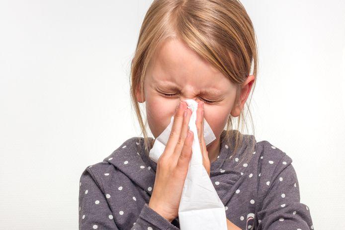 Zodra kinderen dicht bij elkaar zitten op school, hebben de infecties van op vakantie vrij spel.