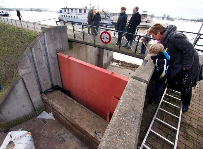 De gesloten coupure in Tolkamer tijdens hoog water. Archoeffoto: HENK RODRIGO