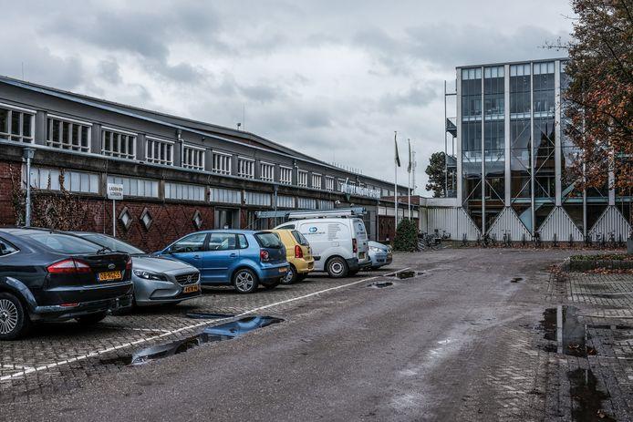 Het voorterrein van de Turmac Cultuurfabriek in 2020.
