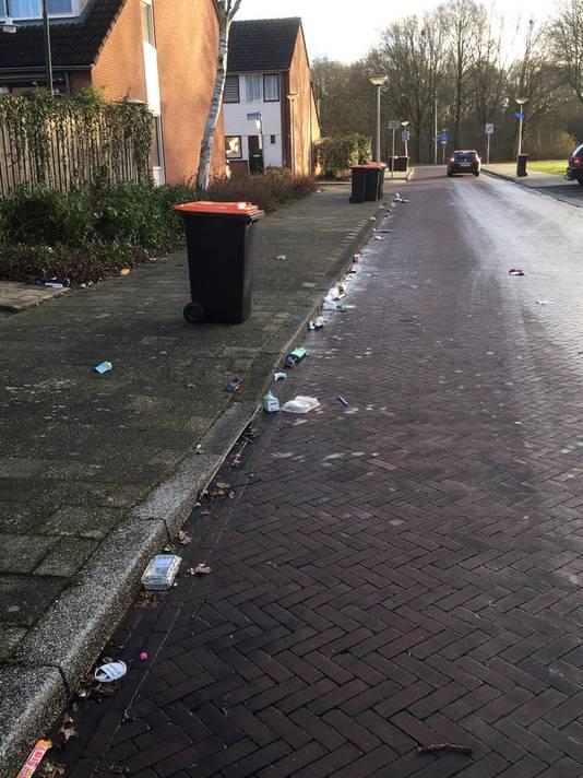De gemeente Enschede draait op voor de zooi op straat.