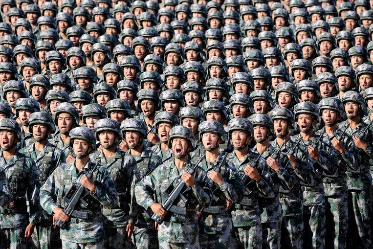Soldaten van het Chinese Volksbevrijdingsleger bij een militaire parade in 2017.  Beeld REUTERS