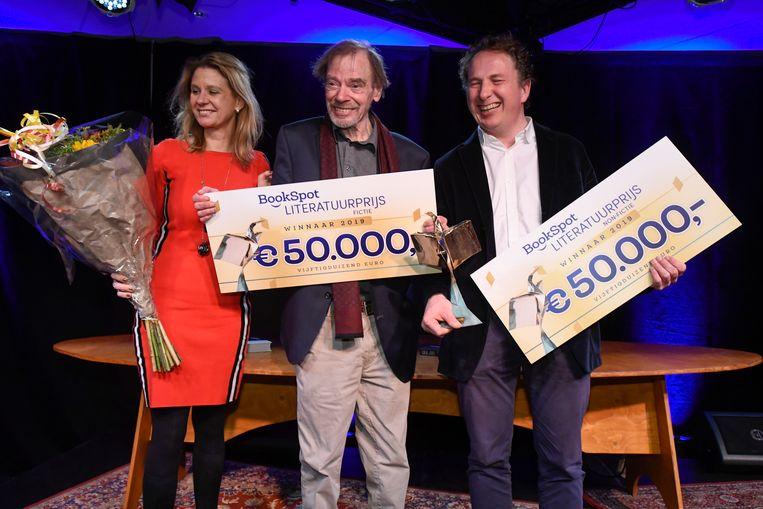 De winnaars van de Bookspot Literatuurprijs 2019: Wessel te Gussinklo (links) en Sjeng Scheijen (rechts). Beeld ANP PETER HILZ