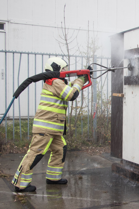 Hij spuit dwars door staal en beton, en is al een flink succes in Veiligheidsregio Utrecht