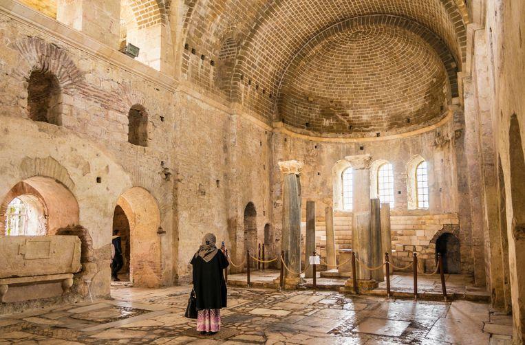 In deze kerk in Demre in Anatolië, Turkije, zou Sint-Nicolaas begraven liggen. Beeld Alamy