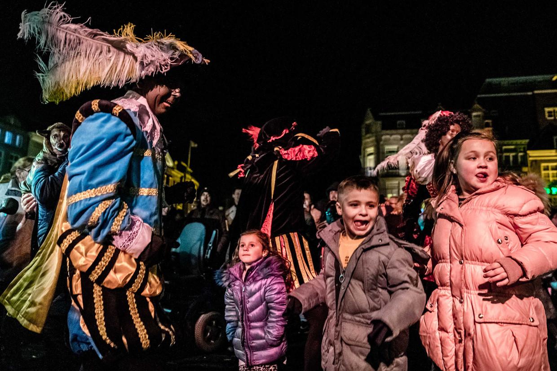 Aanhangers van actiegroep Pro Zwarte Piet demonstreren voor het behoud van de traditionele piet. De demonstratie volgt op het besluit van de gemeente Eindhoven om vanaf 2020 alleen nog roetveegpieten in te zetten tijdens de intocht.  ANP