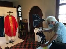 Vrijwilligers die religieus erfgoed inventariseren na maanden stilte weer aan de slag