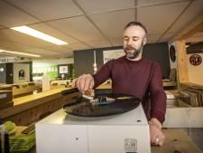 Op afspraak in Vinylparadijs in Geesteren: 'Muziek brengt veel troost'