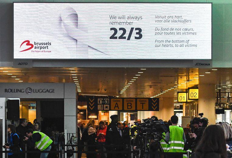 Op 22 maart werden onder meer op de Brusselse luchthaven de aanslagen van vijf jaar eerder herdacht.  Beeld Photo News