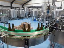 De stoom komt nu echt uit de ketels in De Horst: de nieuwe brouwerij van  Colin, Roland en Arnoud werkt