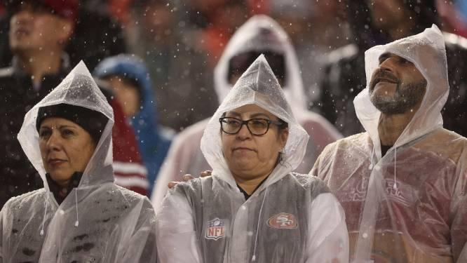 Westkust van VS geteisterd door zware regenstorm