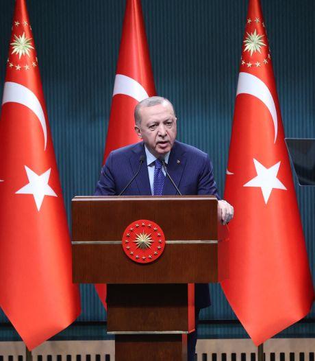 """""""Dictateur"""": Erdogan dénonce """"la vulgarité"""" du Premier ministre italien"""