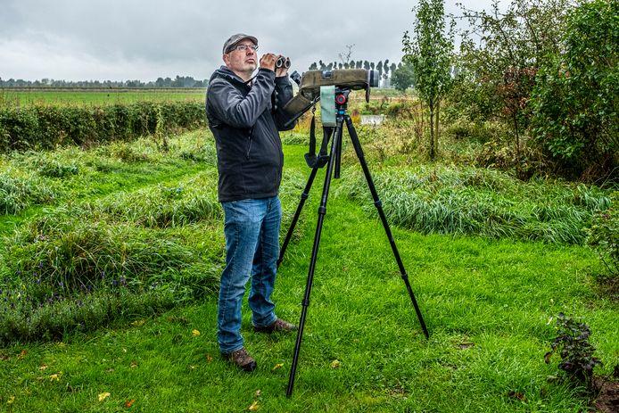 Harvey van Diek is vogelaar en werkzaam bij Sovon Vogelonderzoek Nederland.