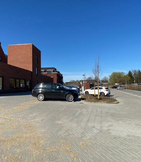 Nog steeds ergernis over te weinig parkeerplaatsen aan Enterse Dorpsstraat