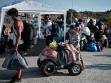 300 vluchtelingen op Lesbos in nieuwe tenten ondergebracht, spanningen lopen verder op