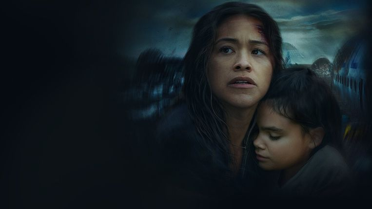 Awake: Gina Rodriguez (Jill), Ariana Greenblatt (Matilda) Beeld TMDB