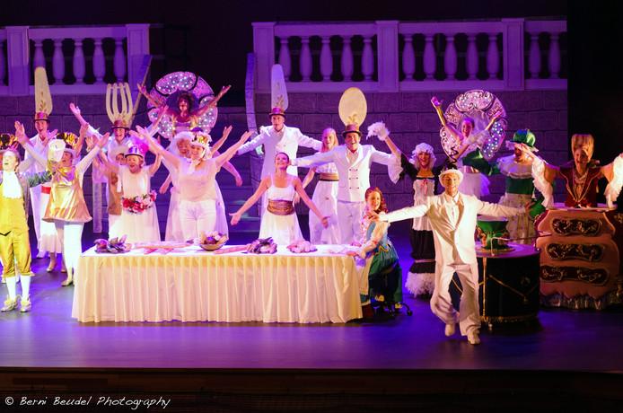 De kostuums, kapsels en grime van de spelers vielen goed in de smaak bij de vakjury van de landelijke Amateur Musical Awards