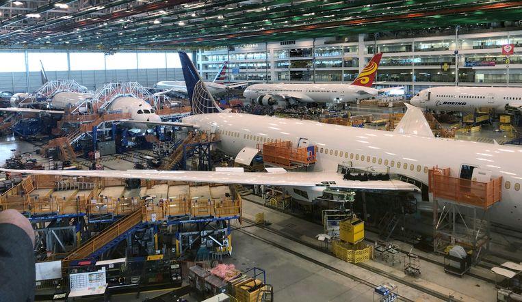 De strafheffingen op vliegtuigen van Boeing en Airbus zijn na een telefoontje van Biden en Von der Leyen van de baan. Beeld REUTERS