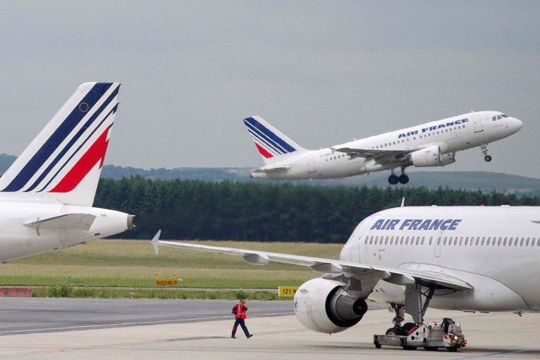 Vliegtuigen van Air France op de luchthaven Charles de Gaulle in Parijs. Beeld AFP