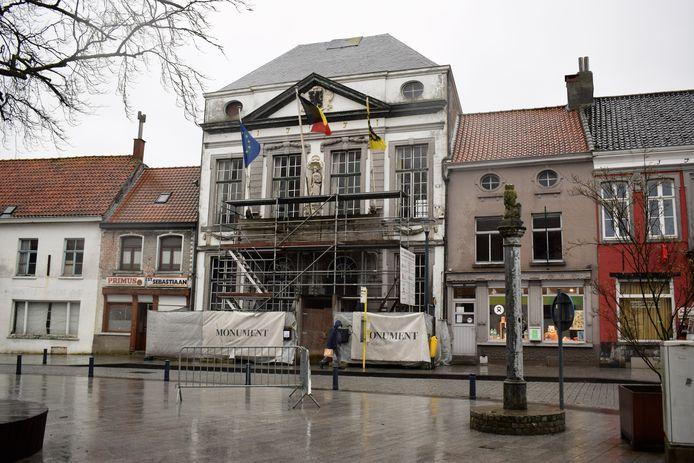 Het oude gemeentehuis van Assenede.