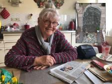 Gezina (81) heeft gestolen bronzen kip van graf man terug, dankzij een klein berichtje in de krant