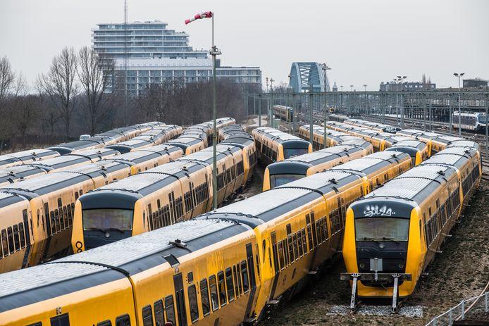 Dieseltreinen van het type Buffel in Nijmegen.
