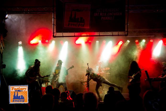 Live optreden Factory Festival Sas van Gent, 2018.