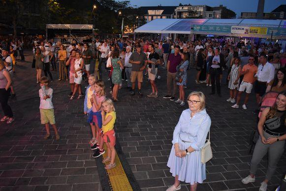 Op de markt waren ook heel wat gezinnen met kinderen.