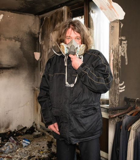 Albert (54) verloor alles in verwoestende brand, nu vraagt hij hulp: 'Doneer een dubbeltje, dan kan ik hier weer wonen'