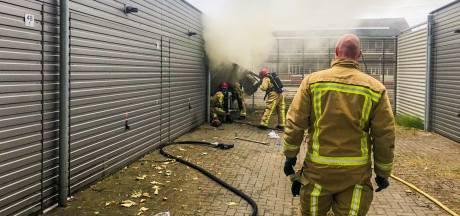 Brand in garagebox van een vloerder in Eindhoven, opgeslagen spullen beschadigd