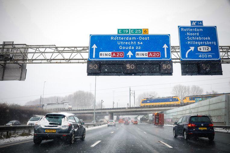 Het ongeluk vond op de A20 plaats. Beeld Bas Czerwinski/ANP