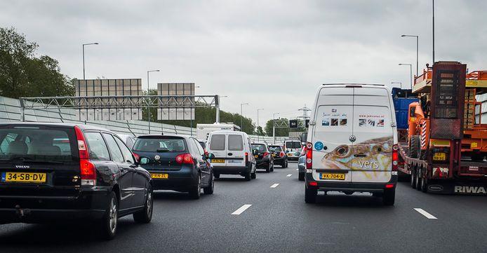 Drukte op snelweg A1.