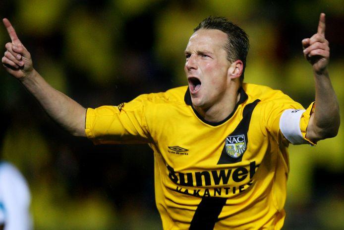 Op 28 februari 2007 opent Edwin de Graaf als aanvoerder van NAC de score tegen PSV.