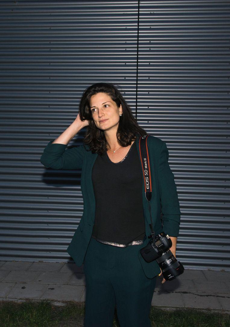 Roosje Verschoor:  'Ik heb uitgezocht wat goed werkt als NFT. Het gaat meestal om kunst die niet subtiel maar juist heel direct is.'  Beeld Petra Katanic