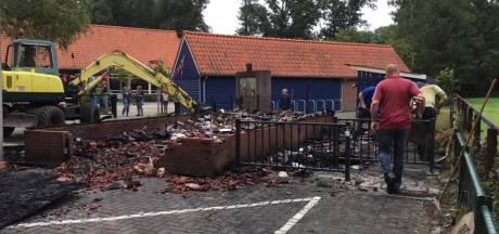 Haaksbergse basissschool Honesch wil herbouw uitgebrande papierloods: 'Kijken wat mogelijk is'