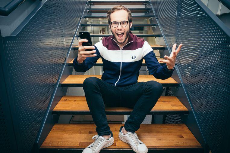 Vincent Fierens is de quizmaster van dienst in de nieuwe smartphonequiz Qwistet. Beeld RV