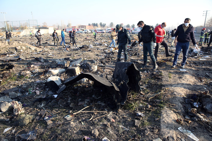 Resten van de Boeing 737-800 die uit de lucht werd geschoten