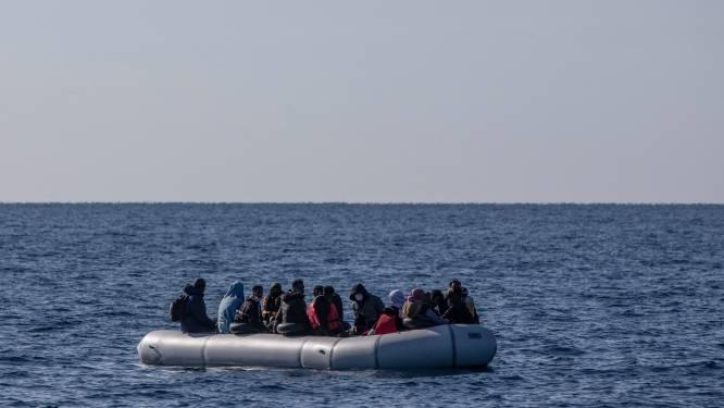 Nog tiental mensen vermist nadat boot met migranten zinkt voor kust van Kreta