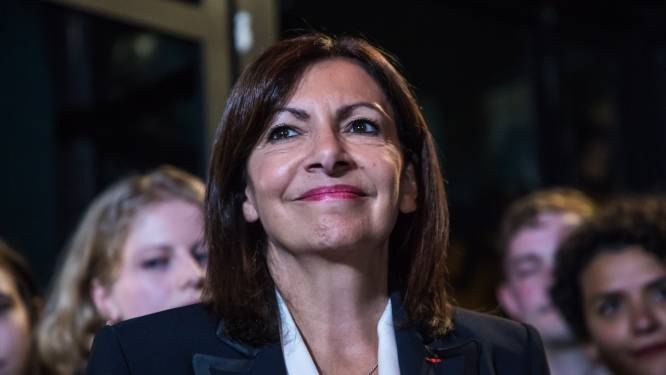 Anne Hidalgo investie par le PS