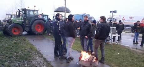 Boeren willen Gelderse distributiecentra blokkeren tot kerst tenzij gesprek volgt met supers