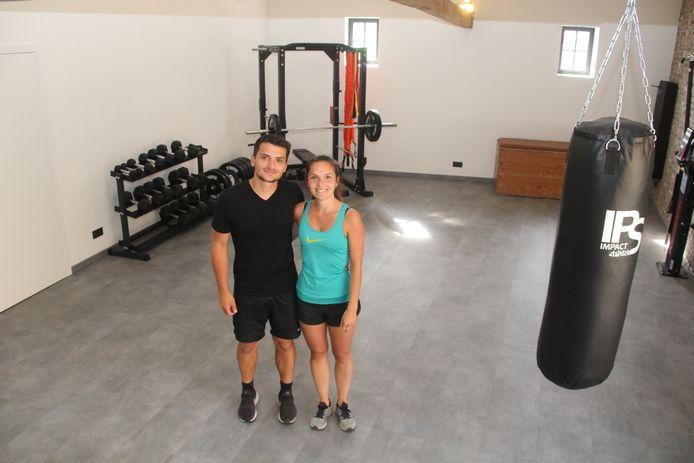 Aron Lescur en Eline Lievens zorgen in hun 'Sportschuur' langs Landries in Aaigem voor trainingen en advies op maat.