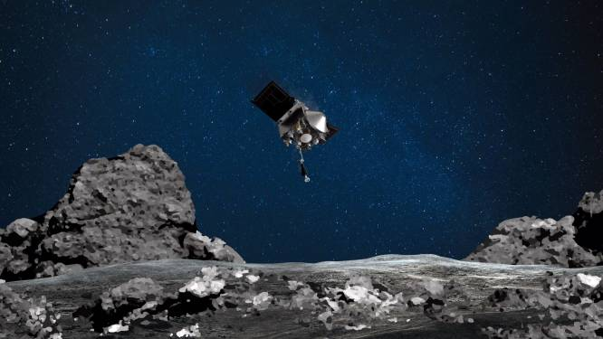 Amerikaanse ruimtesonde begonnen aan lánge terugvlucht naar aarde, met gruis van potentieel gevaarlijke asteroïde 'Bennu' aan boord