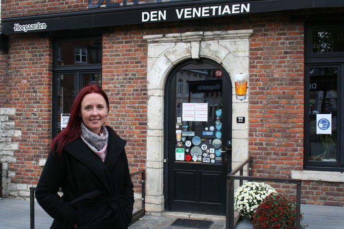 Gwendoline Beuserie voor Den Venetiaen op het Gemeenteplein