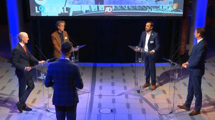 PVV-lijsttrekker Maurice Meeuwissen (l) en Leefbaar Rotterdamlijsttrekker Joost Eerdmans (r) in het debat over integratie.