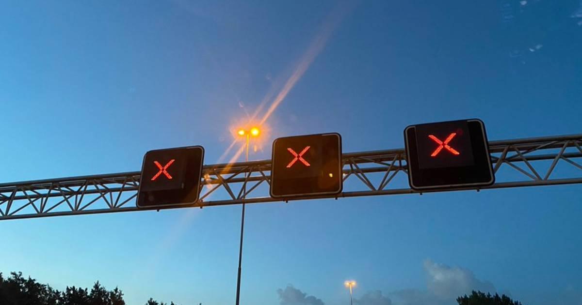 A6 tussen Lelystad en Swifterbant dicht door ongeluk met meerdere voertuigen.
