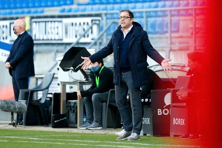 We hebben het zelf verkloot', zei Willem II-trainer Zeljko Petrovic na de wedstrijd. Beeld Pro Shots / Thomas Bakker