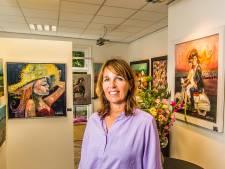 José Reuvekamp begint galerie in Ootmarsum: 'Als kunstenares leer je anders naar dingen te kijken'