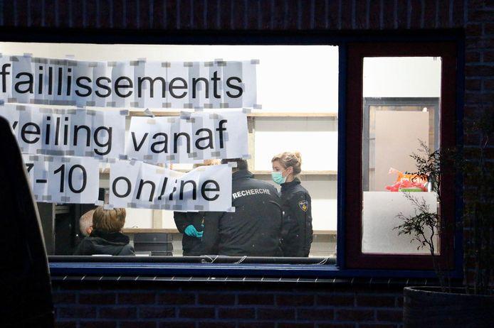 politieonderzoek bij bedrijfspand aan Kleibultweg in Oldenzaal.