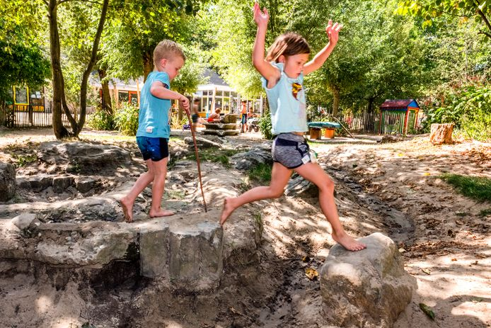 Veel kinderdagverblijven durven geen risico's te nemen tijdens het spelen. Bij Bso Wijs mogen de kinderen juist wél op zoek naar avontuur.