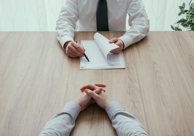 Ben je in ruzie vertrokken op je vorige job? Bij twijfel speel je beter op veilig. Beeld Shutterstock
